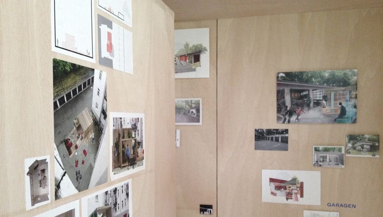 """Die Arbeiten der Studierenden des Wahlfachs """"ALLMENDRAUM - offener Rückzugsort für Gemeinschaftsunterkünfte"""" werden noch bis Ende August 2016 im Architekturmuseum Schwaben gezeigt, Foto: Maren Kohaus"""