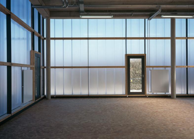 Polycarbonatfassade, Schreinerei, Foto: Florian Holzherr